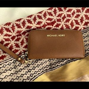 Michael Kors Multifunction Wallet Wristlet